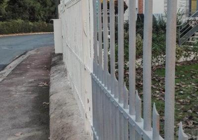 Barrière métallique en cours